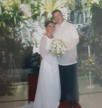 Shaun and Analiza married in 2004 in the Philippines