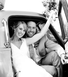 Classic car wedding for these former American Christian singles