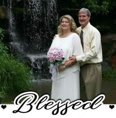It has been an amazing 10 years of marriage for Gina and David