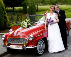 Vintage car wedding