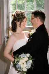 June wedding for Ontario Christian couple