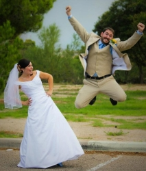 Jeff can't contain his joy after marrying Lauren!
