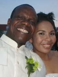 A Norwegian Christian marries a Filipina woman in this selfie