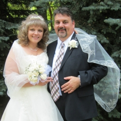 Oksana and Christofer, Happily Married