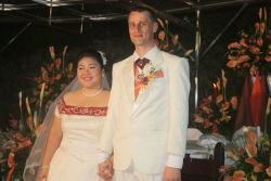 Australian Christian single marries Filipina who smiles radiantly