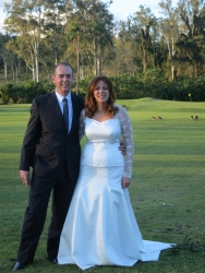 Philip and Urshla married with kangaroos on the golf course!
