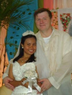 Filipina Christian finds love online and is hugged by her doting husband