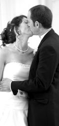 California Christian singles no more: they kiss after marrying