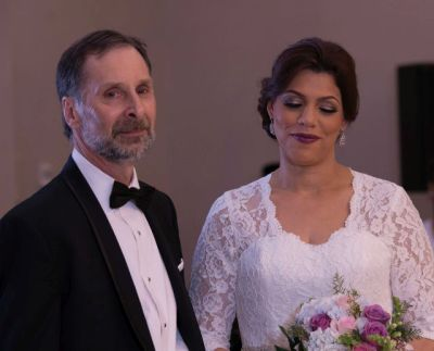 Stan and Whanda exchanging vows